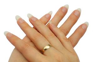 Wie bekommt man schöne Fingernägel?